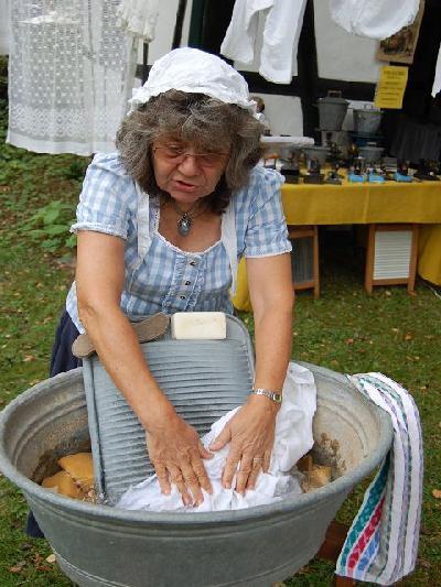 Das Bild Dorfaktionstag2012DSC_0271.JPG vergrössern