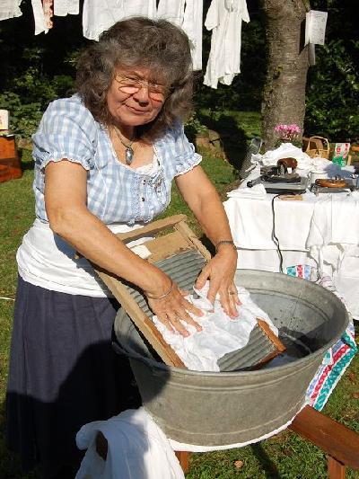Das Bild Dorfaktionstag2011DSC_0137.JPG vergrössern
